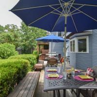 546 Newly Renovated with Amazing Outdoor Space Access to Town Cove Outdoor Shower and Central AC