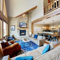 New Listing! Upscale Retreat With Private Hot Tub Townhouse