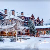 Beautiful 2 bedroom overlooking Whistler's Green Lake and Mountains!, hotel in Whistler