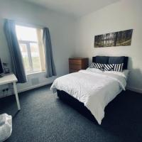 Large 4-Bed House Coventry City Centre