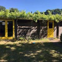 Authentiek chalet met grote tuin, dichtbij Sauna