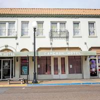OYO Cameron Historic Hotel Brownsville I-69E