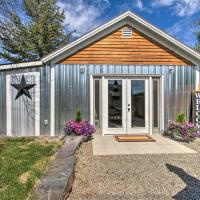 Sweet Helena Cottage, Pet Friendly and Walkable