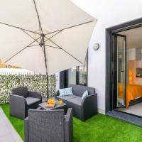 Garden Studio in Torremolinos Centre with Roof Solarium and Pool by Rafleys