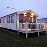 M78 2 Bedroom, 4 Berth Luxury Mini Lodge