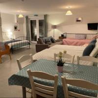 Mill House Studio Apartment, hotel a Stranocum