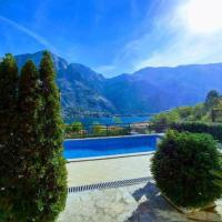 Mia 2 apartman, hotel di Kotor