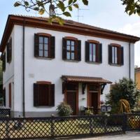 """Crespi d'Adda a """"colori"""", hotell i Capriate San Gervasio"""