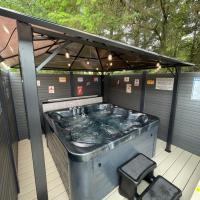 Pheasant's Hollow - luxury hot tub with free golf for guests