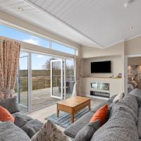 Valley View Lodge - Luxury Lodge, Hot Tub, Close to Beach