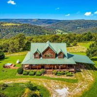 Lodge at OZK Ranch- Incredible mountaintop cabin with hot tub and views