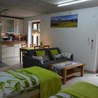 Familie Ehrl - Ferienwohnungen, hotel i Deggendorf