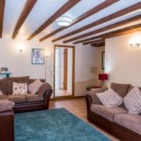 Pass the Keys Cosy 2 bed Cottage with outdoor seating area
