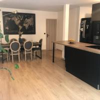 Grand appartement avec deux terrasses au pied des buttes Chaumont