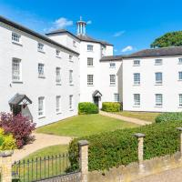 Ware House - 1 Bedroom Serviced Apartment, Private parking, Hartford