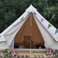 Immaculate and cosy Bell tent in Shaftesbury UK