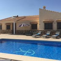 Villa Los Filabres - Luxury Villa Views Pool, hotel en Albox