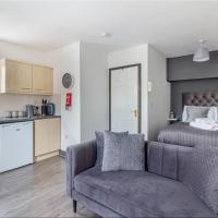 Studio Apartment in Worcester City Centre!