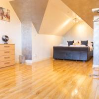 Little-Known 3 Double Bedroom City Centre House includes 2x Private Parking with Enchanting Rear Garden and Open Plan Lounge Dining Room plus Gorgeous wood-floor Master Bedroom and Excellent Reviews