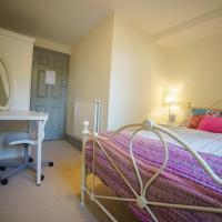 Trendy Rooms, LEEDS - SK