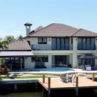 5 Bedroom Luxe Villa on Deep Water Intracoastal
