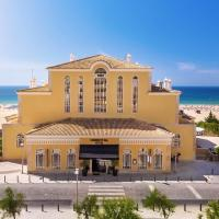 AP Oriental Beach - Adults Friendly, hotel in Portimão