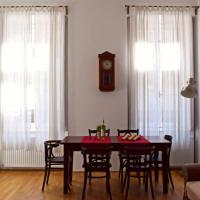 Central Budapest Apartment in Historical Building With Private Parking
