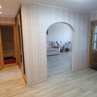 Уютная 4 комнатная квартира в Славянке, hotel in Slavyanka