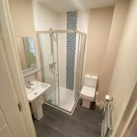 EGHAM Luxurious and spacious 2 bedroom apartment