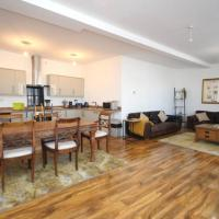 Modern, Luxurious Two Bedroom Apartment