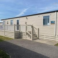 Pevensey Bay Holiday Park 2 Bedrooms both with En suites