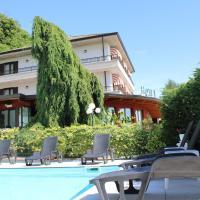 Lo Scoiattolo, hotell i Massino Visconti