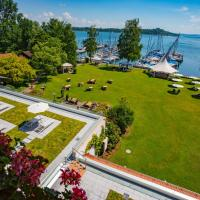Yachthotel Chiemsee GmbH, Hotel in Prien am Chiemsee