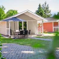 Beautiful lodge with dishwasher, located in Brabant, hotel in Oirschot