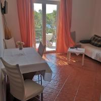 Apartman Lenka 2, hotel in Saplunara
