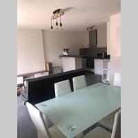 T2 rénové dans une résidence calme avec piscine, hotel in Vétraz-Monthoux