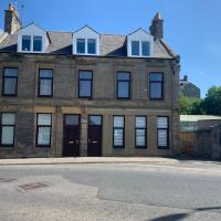 Spacious 3-Bed Apartment in Buckie with sea views
