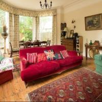 Lovely 3-Bed House in Cheltenham