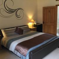 Lavinia Grove Barn, hotel in Stalham