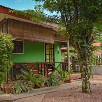 Fern Lodge Self Catering, hotel in Silhouette Island