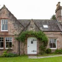 Drumlanrig Mains Cottage, hotel in Thornhill