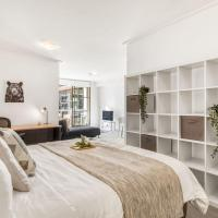 A Modern & Spacious Studio Next to Darling Harbour