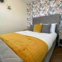Silver Stag, Large New Property, WiFi, Parking, Sleeps 8