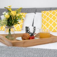 KVM - City Apartments, town centre with parking by KVM Serviced Accommodation