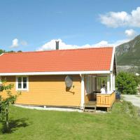 Three-Bedroom Holiday home in Slinde 1