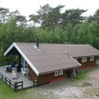 Three-Bedroom Holiday home in Nexø 10 – hotel w mieście Vester Sømarken