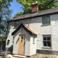 Candlers Cottage, hotel in Harleston
