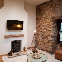 The Old Paper Shop Sleeps 4 Nr Lake District WiFi, hotel in Bolton le Sands