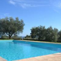 Appealing Holiday Home in Grotte di Castro with Heated Pool