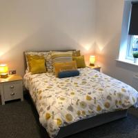 Seafront Suites - Close to Beach, Train Station & Southend Airport
